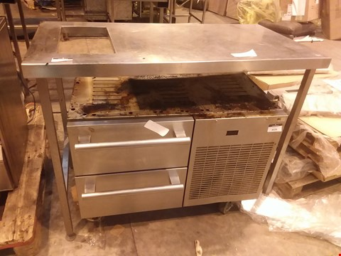 Lot 4025 STAINLESS STEEL FOOD PREPARATION UNIT