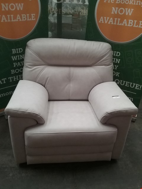 Lot 8 QUALITY BRITISH MADE HARDWOOD FRAMED CREAM LEATHER ARM CHAIR