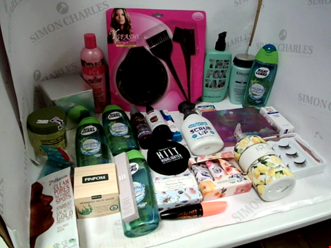 Lot 11003 LOT OF ASSORTED HEALTH & BEAUTY PRODUCTS TO INCLUDE: 3-PIECE DYE BRUSH KIT, EYESHADOW PALETTE, RIGHT GUARD COCONUT WATER SHOWER GEL, ASSORTED BATHROOM & MAKEUP PRODUCTS