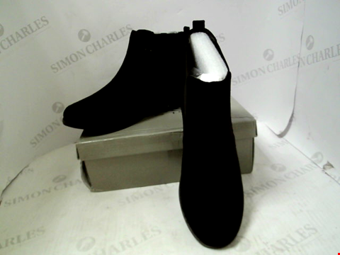Lot 32 BOXED PAIR OF DESIGNER KRUSH SUEDETTE FLAT CHELSEA BOOTS - UK SIZE 7