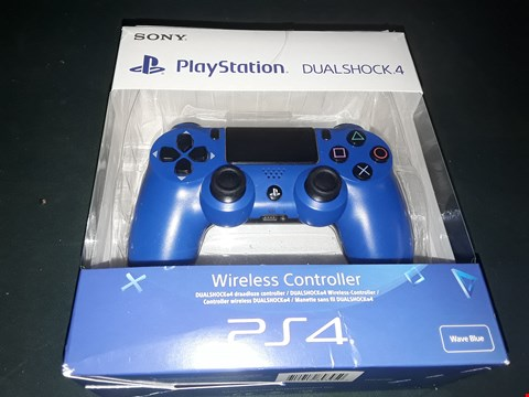 Lot 7017 BOXED PS4 WAVE BLUE WIRELESS CONTROLLER RRP £74.99