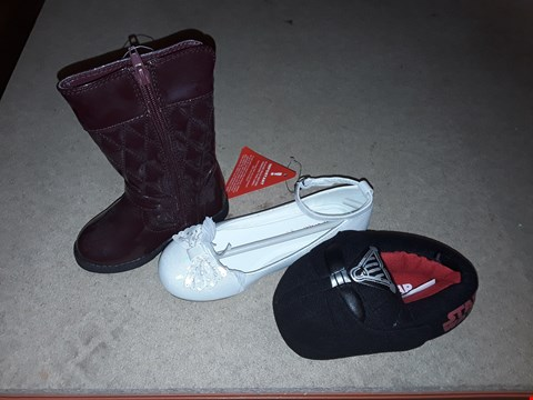 Lot 24 BOX OF APPROXIMATELY 40 PAIRS OF ASSORTED SHOES TO INCLUDE PARIS TODDLER GIRL QUILTED HEART WELLINGTON BOOTS, STAR WARS SLIPPERS AND IVORY OLDER GIRLS OCCASION BALLERINA SHOES - VARIOUS SIZES