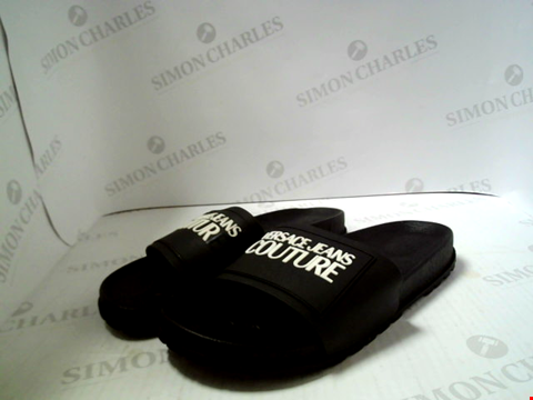 Lot 579 PAIR OF DESIGNER VERSACE JEANS COUTURE SLIDERS SIZE UK 10
