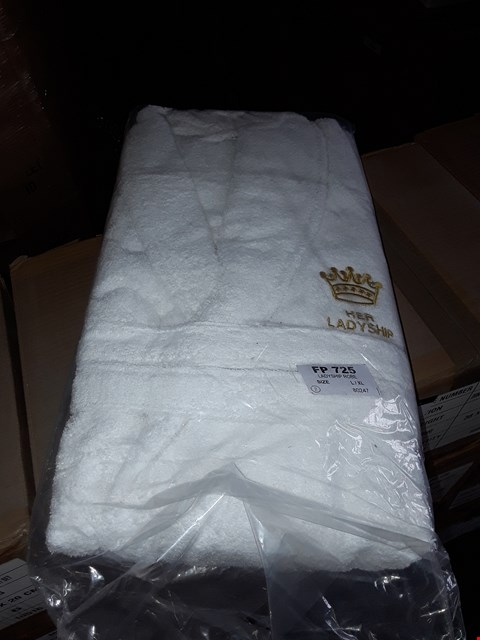 Lot 31 4 BOXES TO AMOUNT TO APPROXIMATELY 24 WHITE LADYSHIP ROBE L/XL