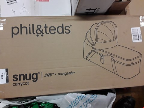 Lot 1702 BOXED NEW PHIL & TEDS SNUG CARRYCOT