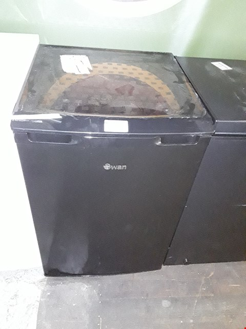 Lot 51 SWAN SR70200B BLACK UNDER COUNTER FRIDGE RRP £179.99