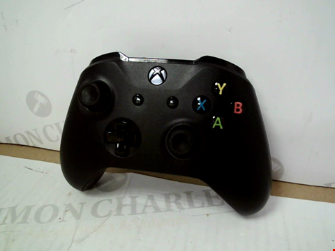Lot 3135 XBOX ONE WIRELESS CONTROLLER