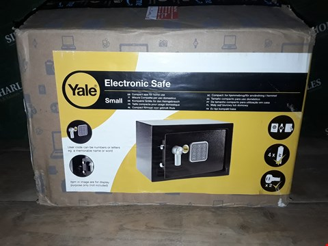 Lot 7122 BOXED YALE SMALL ELECTRONIC SAFE