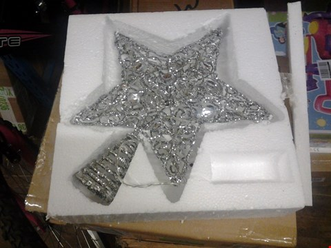 Lot 132 3 BOXED ITEMS INC SILVER STAR CHRISTMAS TREE AND 6FT GARLAND AND  RRP £130.00