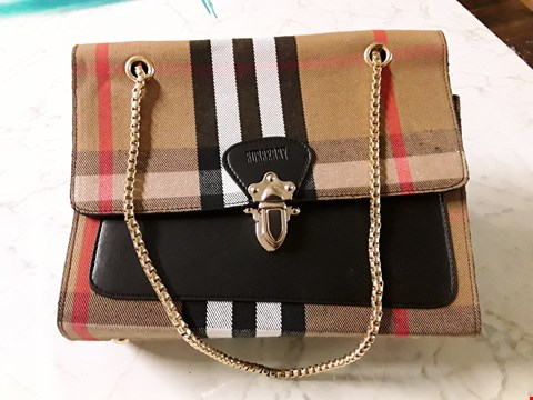 Lot 594 BURBERRY STYLE HANDBAG WITH GOLD CHAIN EFFECT STRAP