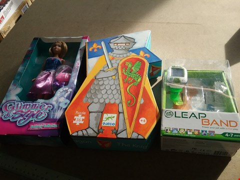 Lot 9064 A GLIMMER AND STYLE FANTASY COLLECTION, DJECO 36 PIECE PUZZLE AND A LEAP BAND