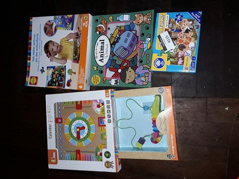 Lot 2126 LOT OF 5 TOYS TO INCLUDE LET'S PRETEND ANIMAL RESCUE, CROCODILE BEAD FRAME AND STICKER SET