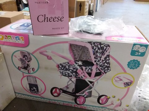 Lot 2151 LOT OF 4 GRADE 1 ITEMS TO INCLUDE CHEESE MAKERS KIT, PERSONALISED LEATHER WALLET, HAUCK 2 IN 1 JULIA PRAM ETC RRP £115