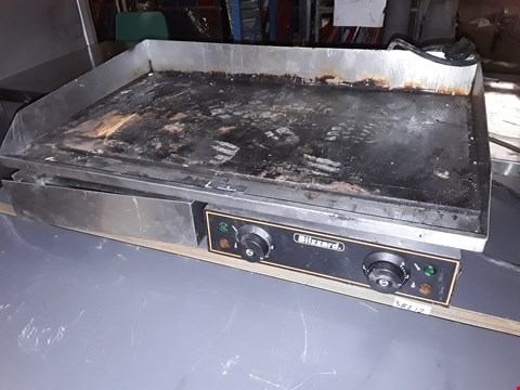Lot 15090 BLIZZARD ELECTRIC TWIN ZONE GRIDDLE