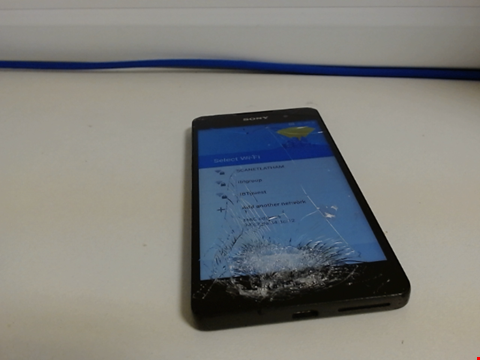 Lot 7586 SONY XPERIA SMART PHONE UNKNOWN CAPACITY