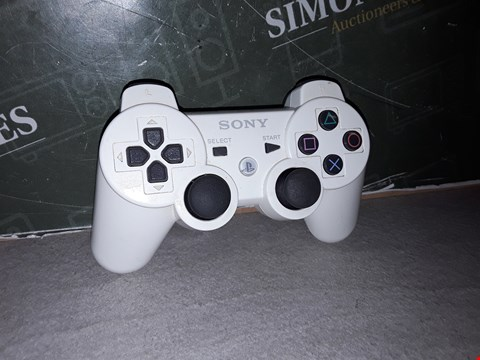 Lot 15122 SONY DUALSHOCK 3 CONTROLLER IN WHITE