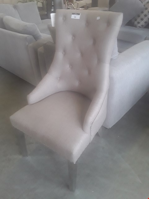 Lot 99 DESIGNER SACRAMENTO NATURAL BUTTONED FABRIC DINING CHAIR ON CHROME LEGS