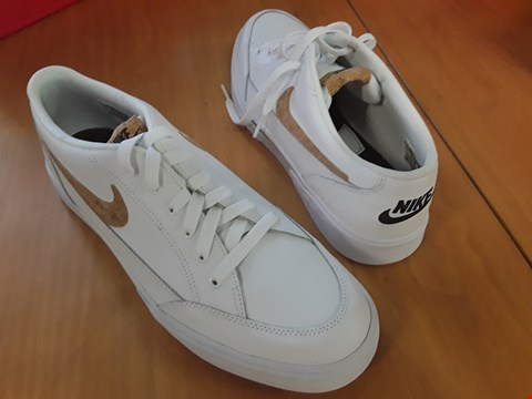 Lot 4 BOXED PAIR GENTS WHITE TRAINERS IN THE STYLE OF NIKE FOR 16 PREM SIZE 10