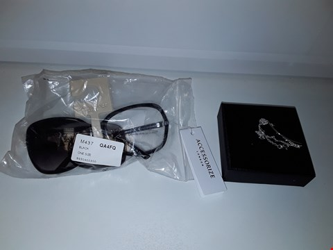 Lot 2152 LOT OF 2 ASSORTED ITEMS TO INCLUDE PERSONALISED BRACELET QND ACCESSORIZE SUNGLASSES
