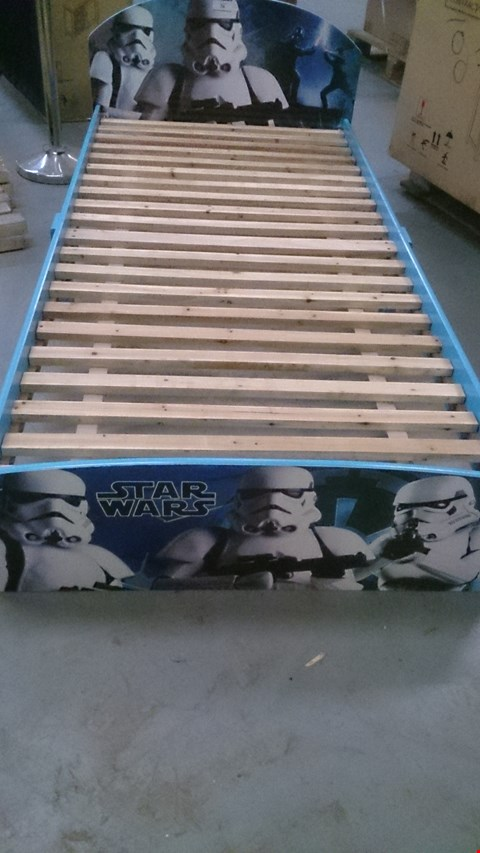 Lot 36 CHILDS SINGLE STAR WARS STORM TROOPER BED
