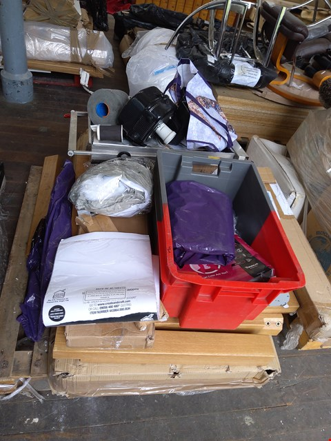 Lot 90 PALLET OF ASSORTED ITEMS TO INCLUDE: SOLID OAK TABLE PARTS, ROLL OF WOOL,PACK OF CARD ETC