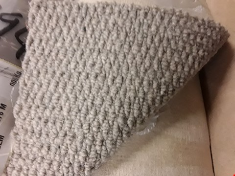 Lot 3703 ROLL OF GREY CARPET SIZE UNSPECIFIED
