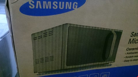 Lot 217 BOXED SAMSUNG MICROWAVE OVEN  RRP £199.00