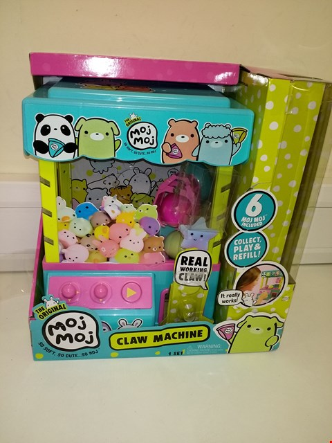 Lot 3057 BOXED CLAW MACHINE PLAY SET RRP £59.96