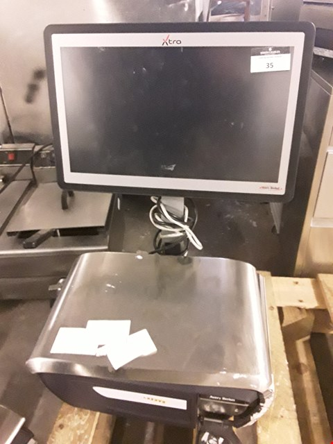 Lot 35 AVERY XT300 SCALES WITH PRINTER