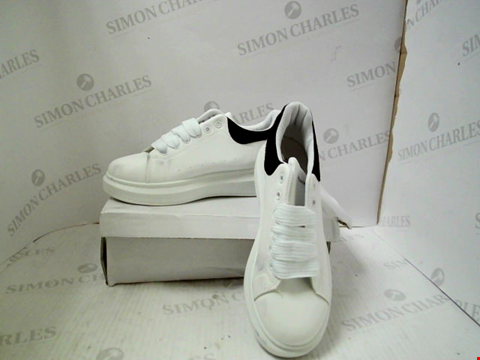 Lot 3019 PAIR OF DESIGNER WHITE ALEXANDER MQUEEN TRAINERS - UK SIZE 6