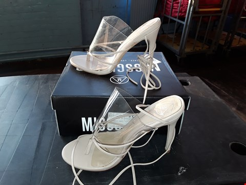 Lot 2024 BOXED MISGUIDED BARELY THERE NUDE/PERSPEX STRAPPY STILETTO SIZE 6/39