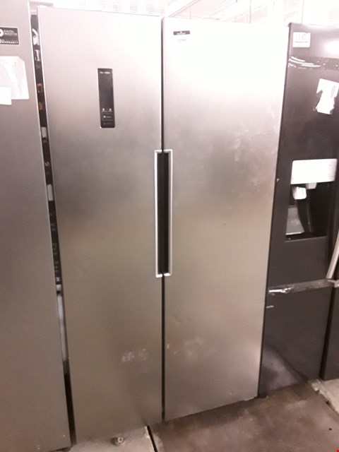 Lot 12068 SWAN SR15640B TOTAL NO FROST 90CM AMERICAN STYLE FRIDGE FREEZER - SILVER RRP £799.99