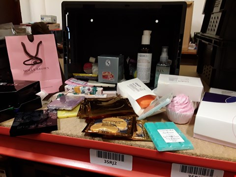 Lot 9034 TRAY OF APPROXIMATELY 64 ASSORTED BEAUTY ITEMS INCLUDING, FLAWLESS HAIR REMOVAL KITS, COLLAGEN GOLD POWDER EYE MASKS, LIPSTICKS, SOAPS, SMASHBOX PALETTE,  (TRAY NOT INCLUDED)