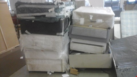 Lot 1281 10 ASSORTED DIVAN BASES AND 3 ASSORTED MATTRESSES