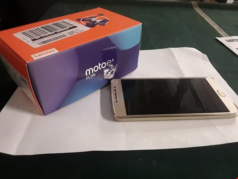 Lot 2159 BOXED MOTO E4 PLUS IN GOLD RRP £190