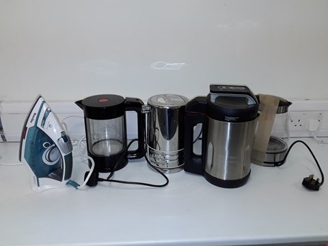 Lot 7157 LOT OF APPROXIMATELY 5 ASSORTED ELECTRICAL ITEMS TO INCLUDE BREVILLE POWERSTEAM ADVANCED IRON, MORPHY RICHARDS SOUP MAKER, BODUM KETTLE ETC