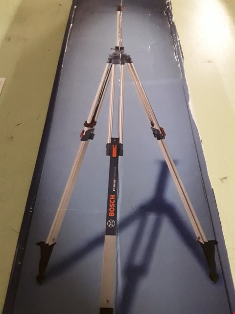 Lot 8894 BOSCH BT 300 HD PROFESSIONAL BUILDING TRIPOD