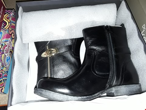 Lot 2003 4 BRAND NEW RAVEL 65 DEMETRIA BLACK SIZE 6 AND 1 PAIR OF ABBIE BLACK COW SUEDE SIZE 5  RRP £150