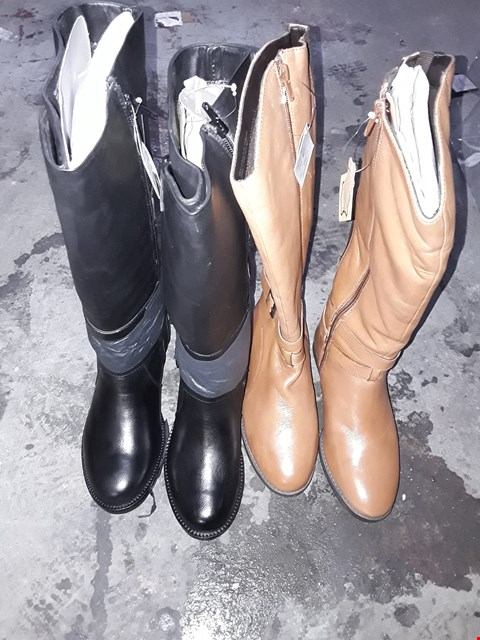 Lot 359 BOX OF APPROXIMATELY 5 ASSORTED SHOES TO INCLUDE BLACK AND BROWN HIGH BOOTS