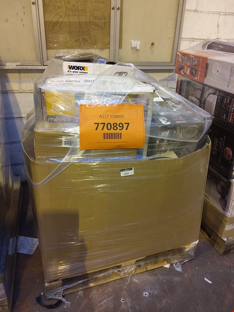 Lot 1003 PALLET OF APPROXIMATELY 30 ASSORTED ITEMS TO INCLUDE: