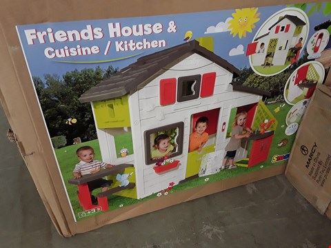 Lot 261 SMOBY FRIENDS HOUSE & COUNTRY KITCHEN