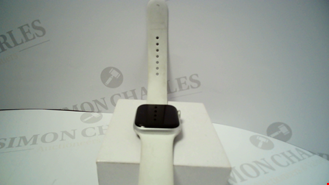 Lot 18080 APPLE WATCH SERIES 5