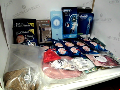 Lot 11044 LOT OF ASSORTED HEALTH & BEAUTY PRODUCTS TO INCLUDE: ORAL-B PRO 2000N & VITALITY PLUS ELECTRIC TOOTHBRUSHES, DETOX FOOT PATCHES, ASSORTED WIGS