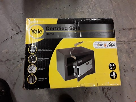 Lot 3072 YALE CERTIFIDE SAFE