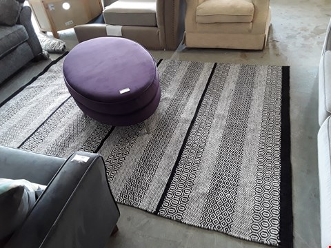 Lot 78 DESIGNER MONOCHROME GEOMETRIC PATTERN LARGE RUG
