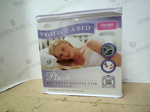 Lot 10218 PROTECT-A-BED FITTED PLUSH MATTRESS PROTECTOR