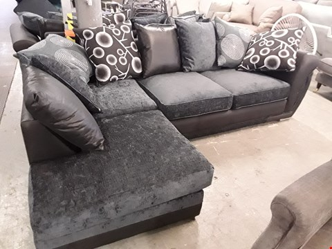 Lot 123 DESIGNER BLACK FAUX LEATHER & CHARCOAL FABRIC CORNER SOFA WITH SCATTER CUSHIONS