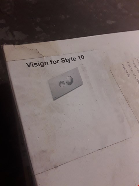 Lot 425 BOXED VIEGA VISIGN FOR STYLE 10