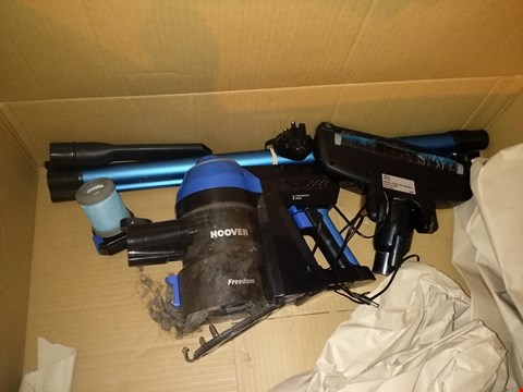 Lot 8092 HOOVER FREEDOM LITE 2-IN-1 CORDLESS STICK VACUUM CLEANER