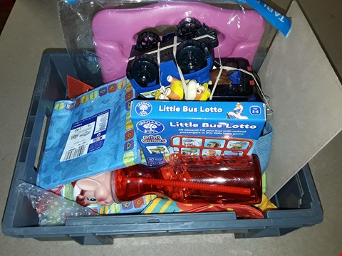 Lot 6165 BOX OF ASSORTED TOY ITEMS TO INCLUDE LITTLE BUS LOTTO MINI GAMES, AN ELF DRINKING BOTTLE, TELETUBBIES PAPER NAPKINS ETC